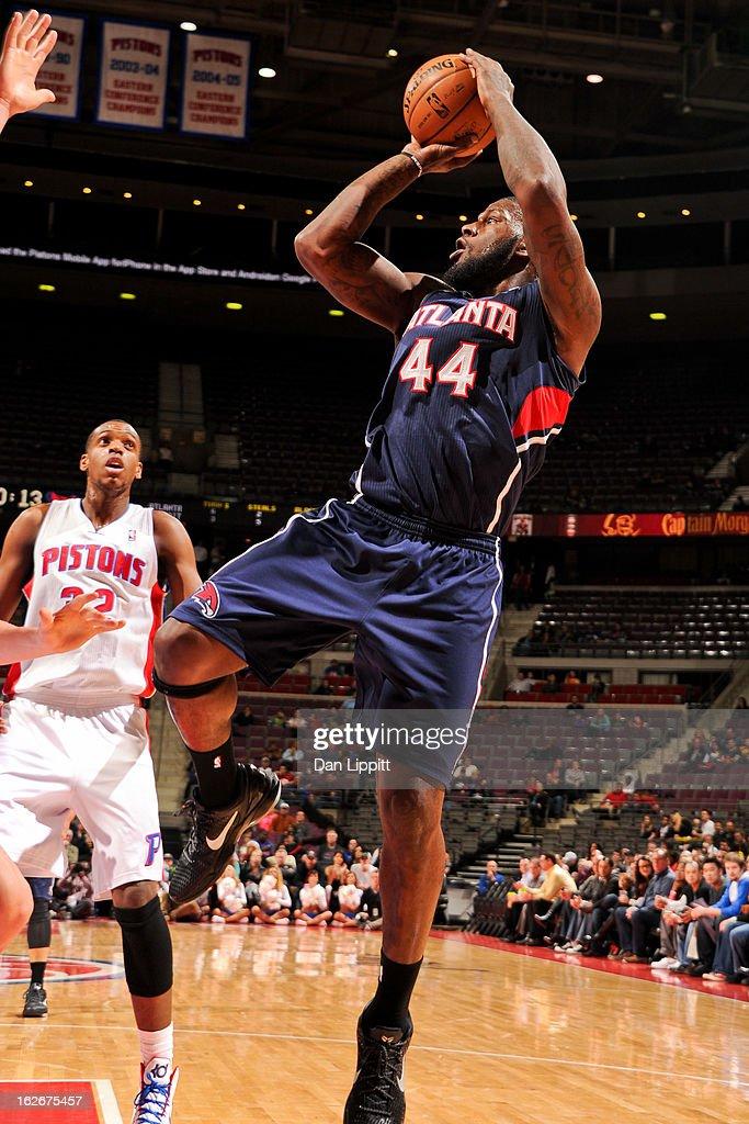 Ivan Johnson #44 of the Atlanta Hawks shoots against the Detroit Pistons on February 25, 2013 at The Palace of Auburn Hills in Auburn Hills, Michigan.
