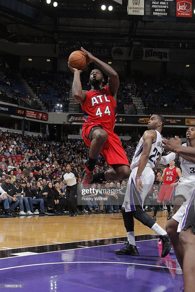Ivan Johnson #44 of the Atlanta Hawks takes the ball to the basket against the Sacramento Kings on November 16, 2012 at Sleep Train Arena in Sacramento, California.