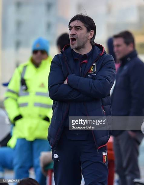 Ivan Juric head coach of Genoa CFC during the Serie A match between Pescara Calcio and Genoa CFC at Adriatico Stadium on February 19 2017 in Pescara...