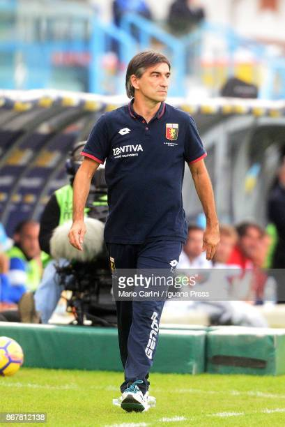 Ivan Juric head coach of Genoa CFC looks on during the Serie A match between Spal and Genoa CFC at Stadio Paolo Mazza on October 29 2017 in Ferrara...