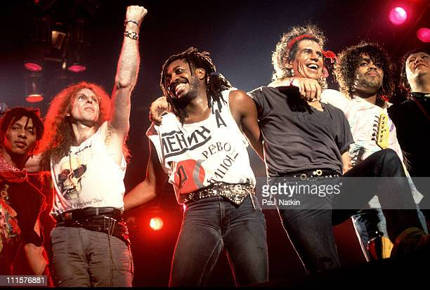 Ivan Neville Waddy Wachtel Steve Jordan Keith Richards Charlie Drayton and Bobby Keys of the XPensive Winos in 1988 in Chicago Il