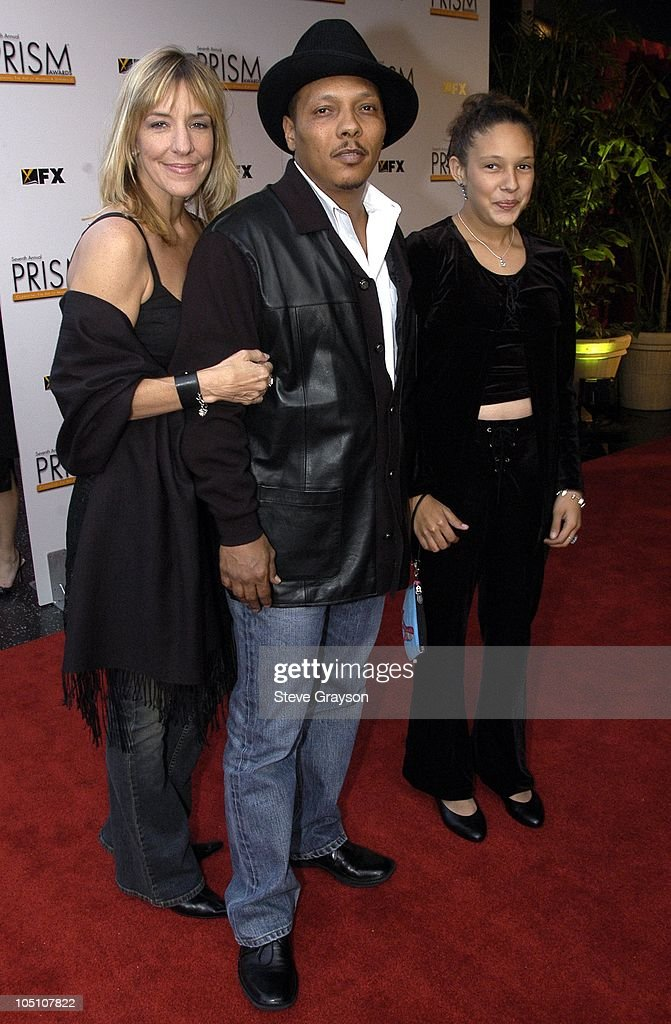 Ivan Neville (c) with wife Gretchen and daughter Ivy.