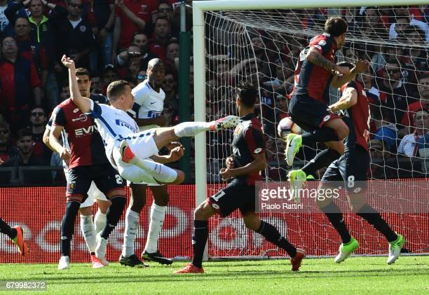 Ivan Perisic in action during the Serie A match between Genoa CFC and FC Internazionale at Stadio Luigi Ferraris on May 7 2017 in Genoa Italy