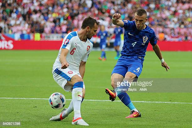 Ivan Perisic of Croatia scores a goal to make the score 01 during the UEFA EURO 2016 Group D match between Czech Republic and Croatia at Stade...