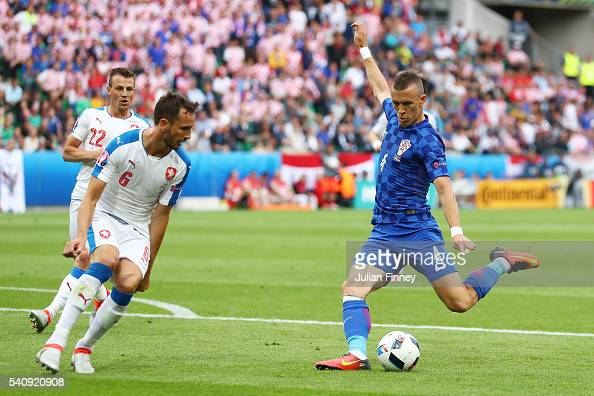 Ivan Perisic of Croatia scores his sides first goal during the UEFA EURO 2016 Group D match between Czech Republic and Croatia at Stade...