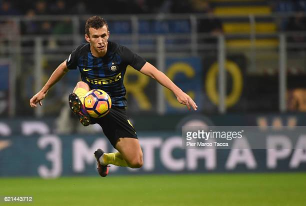 Ivan Perisic of FC Internazionale in action during the Serie A match between FC Internazionale and FC Crotone at Stadio Giuseppe Meazza on November 6...