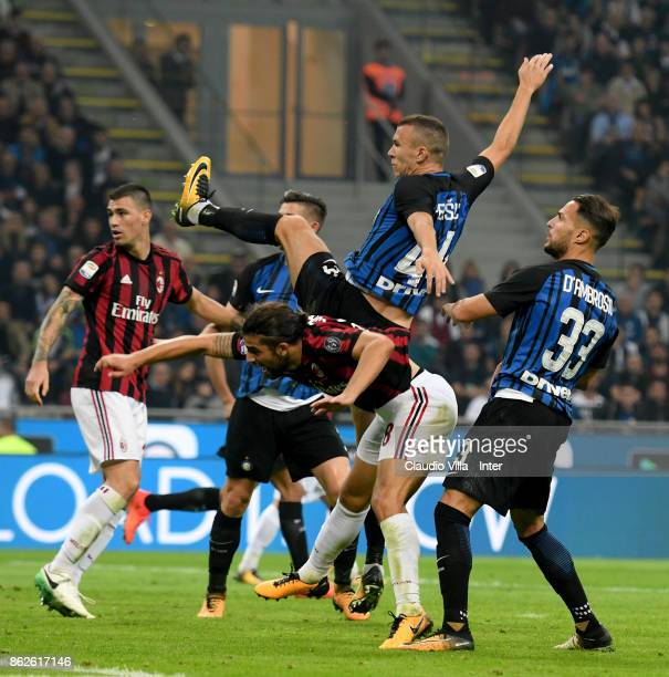Ivan Perisic of FC Internazionale in action during the Serie A match between FC Internazionale and AC Milan at Stadio Giuseppe Meazza on October 15...