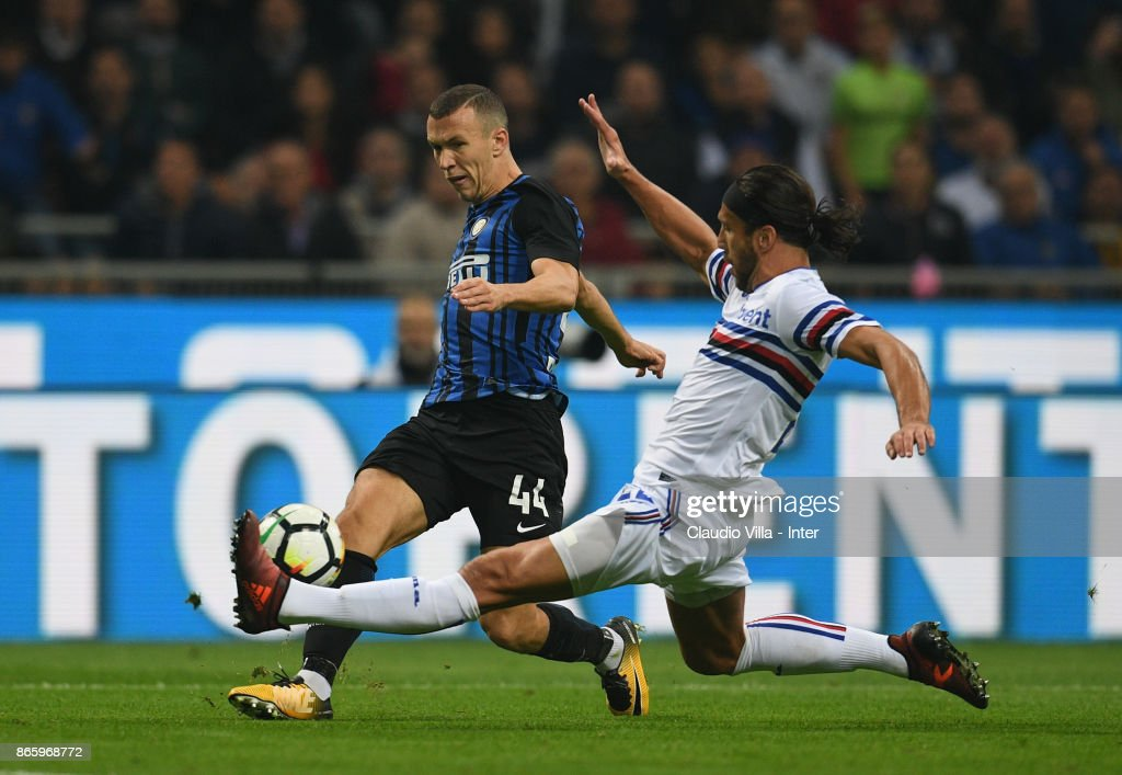 Ivan Perisic of FC Internazionale in action during the Serie A match between FC Internazionale and UC Sampdoria at Stadio Giuseppe Meazza on October 24, 2017 in Milan, Italy.