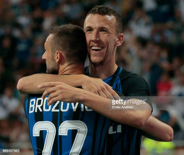 Ivan Perisic of FC Internazionale Milano celebrates his goal with his teammate Marcelo Brozovic during the Serie A match between FC Internazionale...