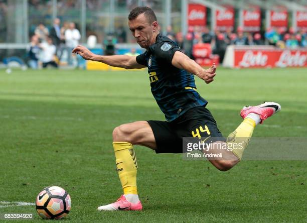 Ivan Perisic of FC Internazionale Milano in action during the Serie A match between FC Internazionale and US Sassuolo at Stadio Giuseppe Meazza on...