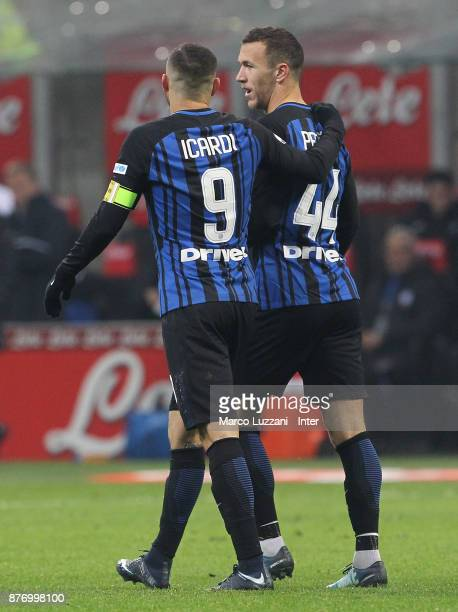 Ivan Perisic of FC Internazionale speaks to during the Serie A match between FC Internazionale and Atalanta BC at Stadio Giuseppe Meazza on November...