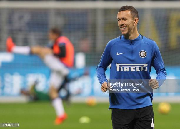 Ivan Perisic of FC Internazionale warms up ahead of the Serie A match between FC Internazionale and Atalanta BC at Stadio Giuseppe Meazza on November...