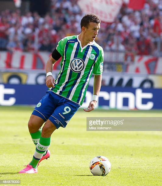 Ivan Perisic of Wolfsburg runs with the ball during the Bundesliga match between 1 FC Koeln and VfL Wolfsburg at RheinEnergieStadion on August 22...