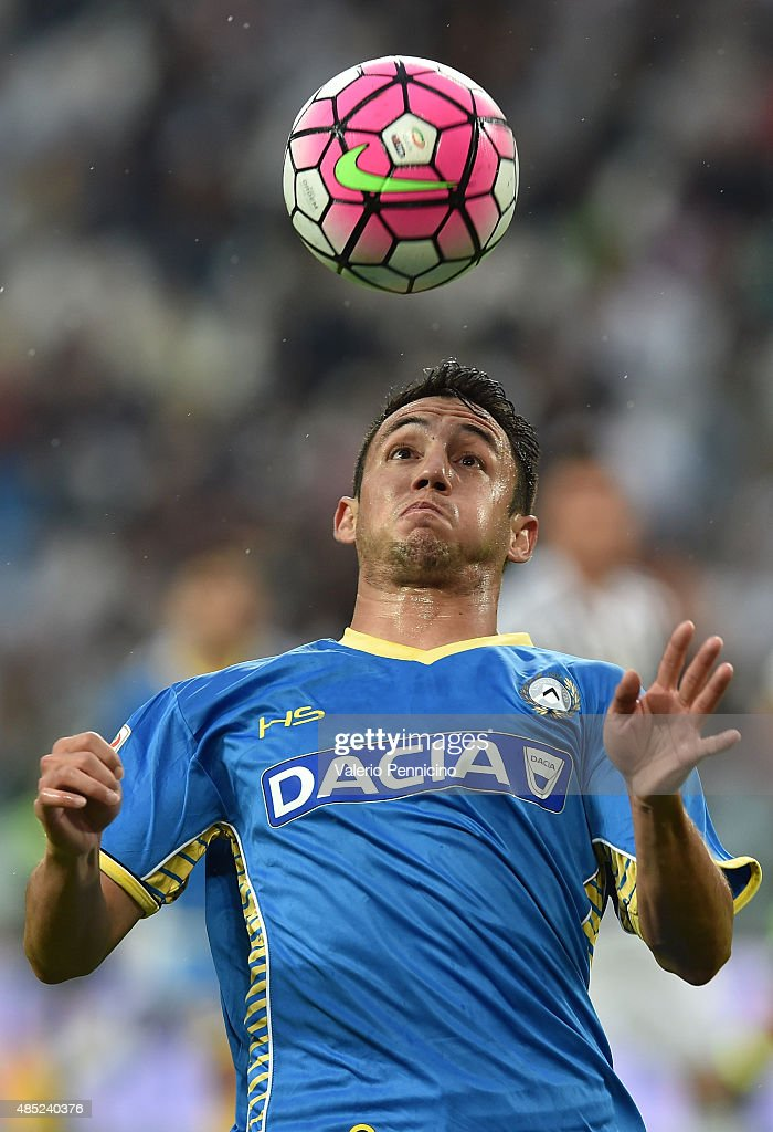 <a gi-track='captionPersonalityLinkClicked' href=/galleries/search?phrase=Ivan+Piris&family=editorial&specificpeople=5348316 ng-click='$event.stopPropagation()'>Ivan Piris</a> of Udinese Calcio controls the ball during the Serie A match between Juventus FC and Udinese Calcio at Juventus Arena on August 23, 2015 in Turin, Italy.
