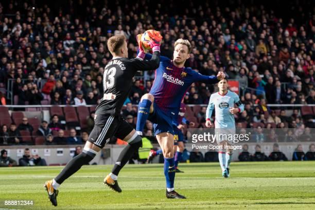 Ivan Rakitic of FC Barcelona in action against Goalkeeper Ruben Blanco Veiga of RC Celta de Vigo during the La Liga 201718 match between FC Barcelona...