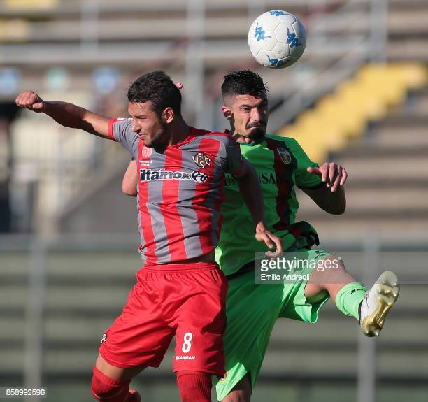 Ivan Varone of Ternana Calcio jumps for the ball with Michele Cavion of US Cremonese during the Serie B match between US Cremonese and Ternana Calcio...