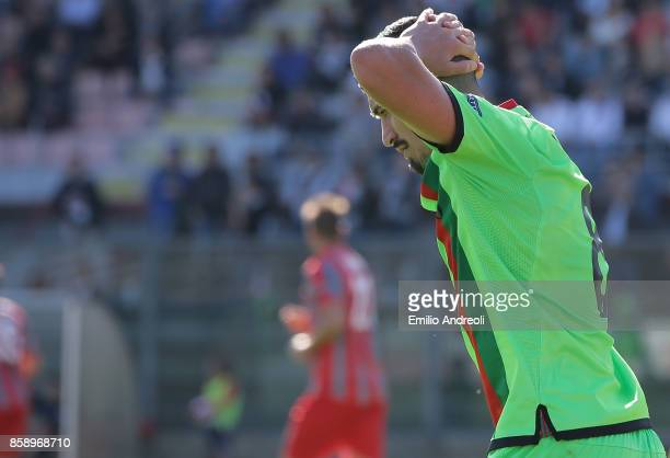 Ivan Varone of Ternana Calcio reacts after misses a chance of goal during the Serie B match between US Cremonese and Ternana Calcio at Stadio...