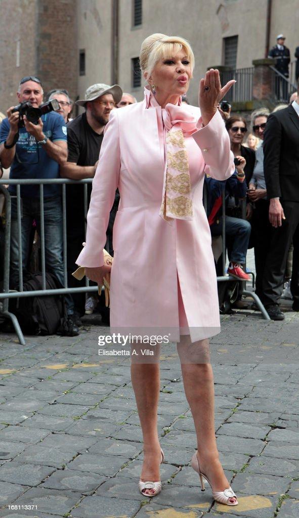 Ivana Trump (C) arrives at Valeria Marini and Giovanni Cottone's wedding at Ara Coeli on May 5, 2013 in Rome, Italy.
