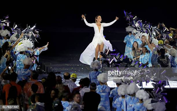 Ivete Sangalo and dancers perform during the closing ceremony of the Rio 2016 Paralympic Games at Maracana Stadium on September 18 2016 in Rio de...