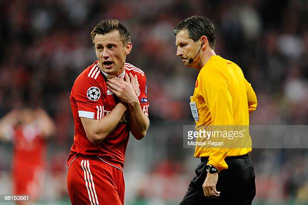 Ivica Olic of Bayern Muenchen looks dejected during the UEFA Champions League quarter final first leg match between Bayern Muenchen and Manchester...
