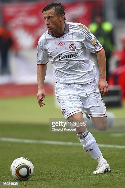 Ivica Olic of Bayern runs with the ball during the Bundesliga match between 1 FC Nuernberg and FC Bayern Muenchen at Easy Credit Stadium on February...