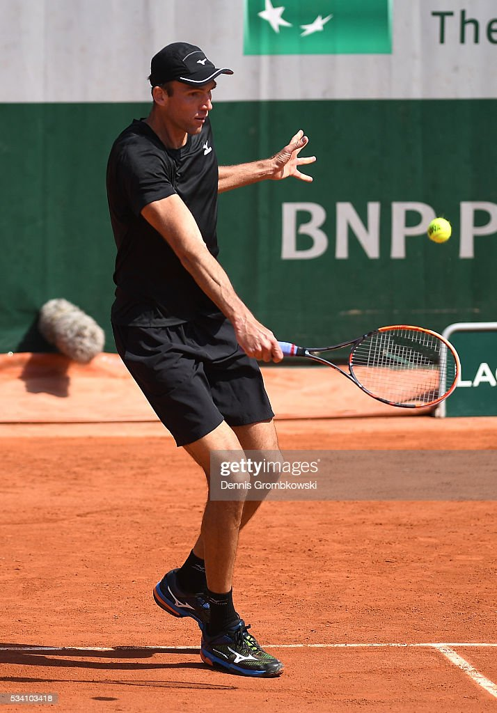 <a gi-track='captionPersonalityLinkClicked' href=/galleries/search?phrase=Ivo+Karlovic&family=editorial&specificpeople=605320 ng-click='$event.stopPropagation()'>Ivo Karlovic</a> of Croatia plays a backhand during the Men's Singles second round match against Jordan Thompson of Australia at Roland Garros on May 25, 2016 in Paris, France.