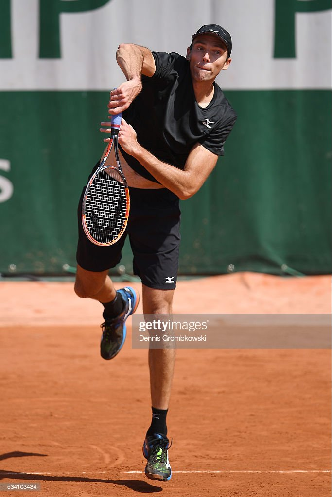 <a gi-track='captionPersonalityLinkClicked' href=/galleries/search?phrase=Ivo+Karlovic&family=editorial&specificpeople=605320 ng-click='$event.stopPropagation()'>Ivo Karlovic</a> of Croatia serves during the Men's Singles second round match against Jordan Thompson of Australia at Roland Garros on May 25, 2016 in Paris, France.