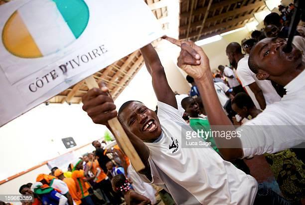 Ivorian football fans celebrate