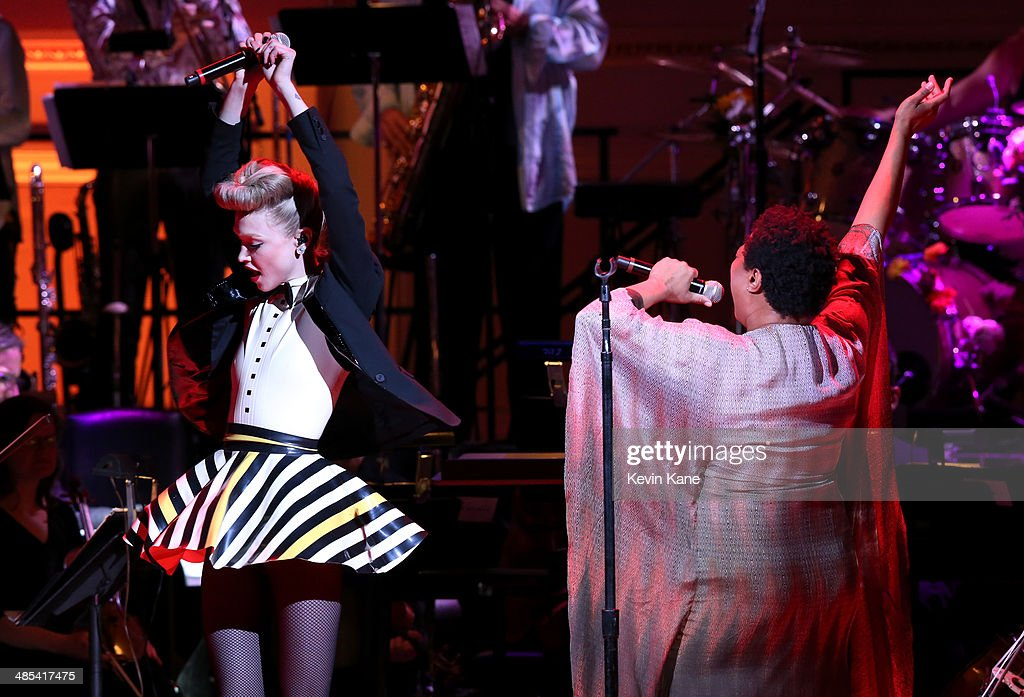 <a gi-track='captionPersonalityLinkClicked' href=/galleries/search?phrase=Ivy+Levan&family=editorial&specificpeople=11089097 ng-click='$event.stopPropagation()'>Ivy Levan</a> and <a gi-track='captionPersonalityLinkClicked' href=/galleries/search?phrase=Lisa+Fischer&family=editorial&specificpeople=2034470 ng-click='$event.stopPropagation()'>Lisa Fischer</a> perform onstage at The 2014 Revlon Concert For The Rainforest Fund at Carnegie Hall on April 17, 2014 in New York City.