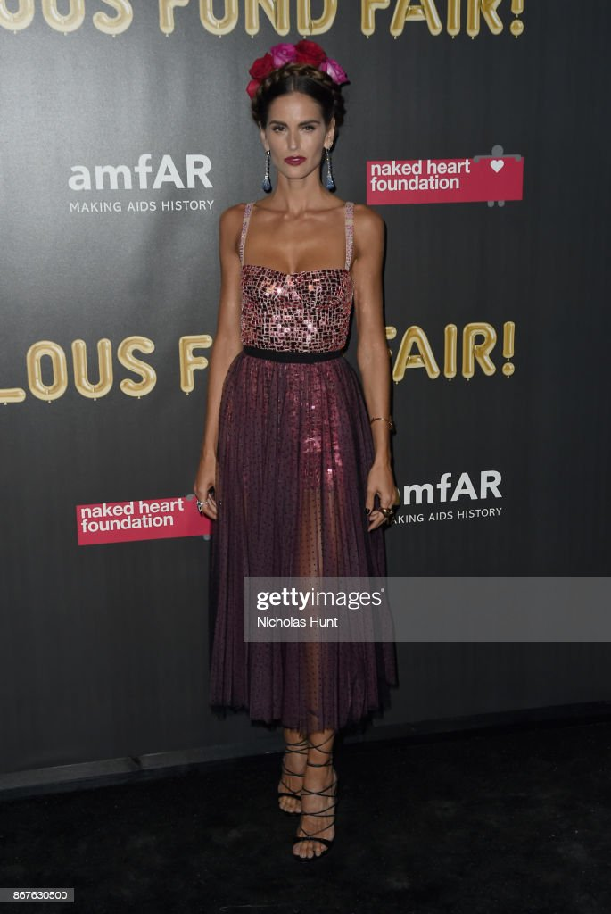 Izabel Goulart attends the 2017 amfAR & The Naked Heart Foundation Fabulous Fund Fair at Skylight Clarkson Sq on October 28, 2017 in New York City.