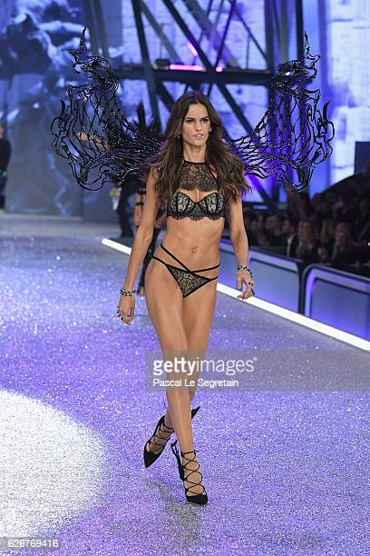 Izabel Goulart walks the runway at the Victoria's Secret Fashion Show on November 30 2016 in Paris France