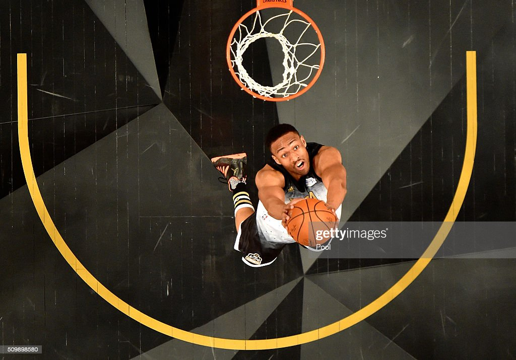 <a gi-track='captionPersonalityLinkClicked' href=/galleries/search?phrase=Jabari+Parker&family=editorial&specificpeople=9330340 ng-click='$event.stopPropagation()'>Jabari Parker</a> #12 of the Milwaukee Bucks and the United States team goes up with the ball in the first half against the World team during the BBVA Compass Rising Stars Challenge 2016 at Air Canada Centre on February 12, 2016 in Toronto, Canada.