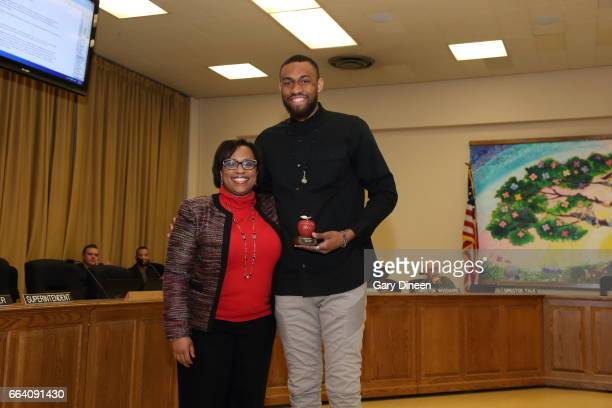 Jabari Parker of the Milwaukee Bucks receives the Milwaukee Public Schools Excellence in Education Award on March 30 2017 at the MPS Central Services...