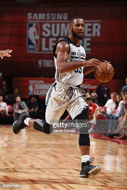 Jabril Trawick of DLeague handles the ball against the Milwaukee Bucks during 2016 Summer League on July 10 2016 at the Thomas Mack Center in Las...