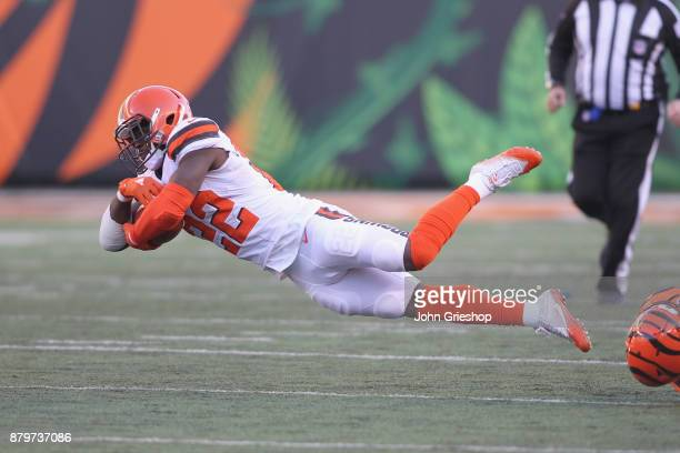 Jabrill Peppers of the Cleveland Browns runs the football upfield during the game against the Cincinnati Bengals at Paul Brown Stadium on November 26...