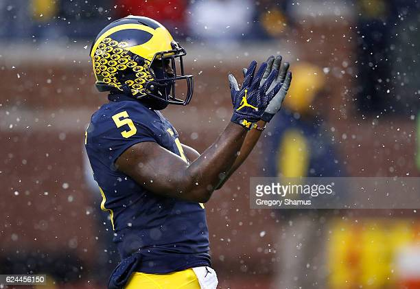 Jabrill Peppers of the Michigan Wolverines waits for the opening kick off while playing the Indiana Hoosiers on November 19 2016 at Michigan Stadium...