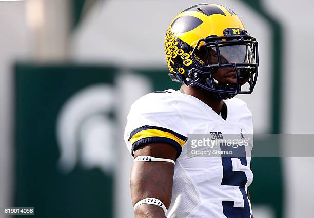 Jabrill Peppers of the Michigan Wolverines warms up prior to playing the Michigan State Spartans at Spartan Stadium on October 29 2016 in East...