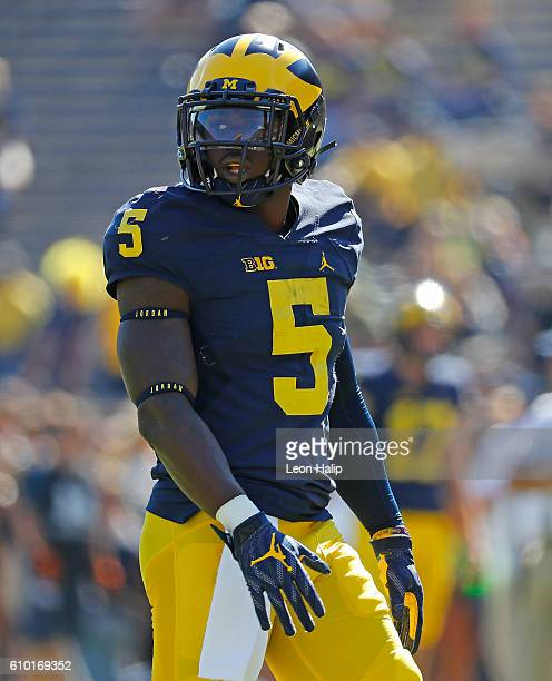 Jabrill Peppers of the Michigan Wolverines warms up prior to the start of the game against the Penn State Nittany Lions at Michigan Stadium on...