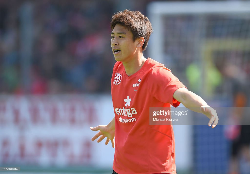 JaCheol Koo of 1 FSV Mainz 05 reacts before the Bundesliga match between Sport Club Freiburg and 1 FSV Mainz 05 at SchwarzwaldStadium on April 18...