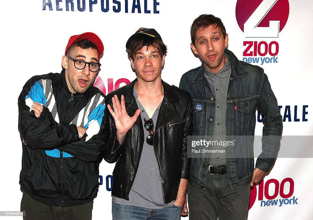 <a gi-track='captionPersonalityLinkClicked' href=/galleries/search?phrase=Jack+Antonoff&family=editorial&specificpeople=2565373 ng-click='$event.stopPropagation()'>Jack Antonoff</a>, <a gi-track='captionPersonalityLinkClicked' href=/galleries/search?phrase=Nate+Ruess&family=editorial&specificpeople=6897270 ng-click='$event.stopPropagation()'>Nate Ruess</a> and <a gi-track='captionPersonalityLinkClicked' href=/galleries/search?phrase=Andrew+Dost&family=editorial&specificpeople=7336071 ng-click='$event.stopPropagation()'>Andrew Dost</a> of Fun attend Z100's Jingle Ball 2012 presented by Aeropostale at Madison Square Garden on December 7, 2012 in New York City.