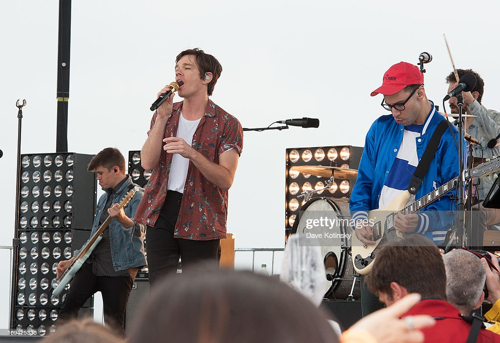 <a gi-track='captionPersonalityLinkClicked' href=/galleries/search?phrase=Jack+Antonoff&family=editorial&specificpeople=2565373 ng-click='$event.stopPropagation()'>Jack Antonoff</a> of Fun and <a gi-track='captionPersonalityLinkClicked' href=/galleries/search?phrase=Nate+Ruess&family=editorial&specificpeople=6897270 ng-click='$event.stopPropagation()'>Nate Ruess</a> performs on NBC's 'Today' at Seaside Heights on May 24, 2013 in Seaside Heights, New Jersey.