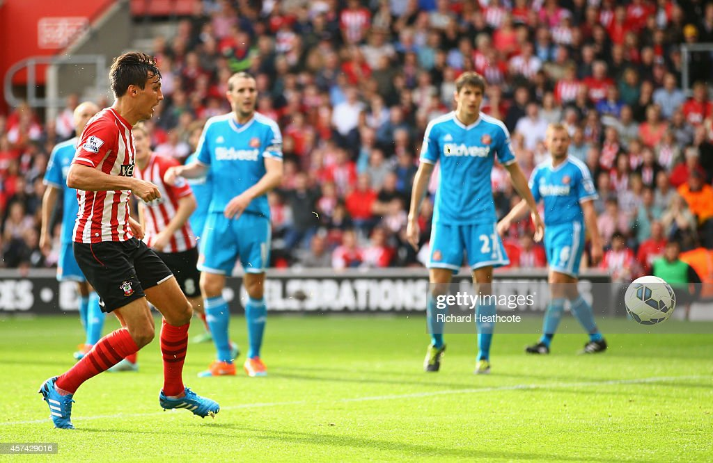<a gi-track='captionPersonalityLinkClicked' href=/galleries/search?phrase=Jack+Cork&family=editorial&specificpeople=4206991 ng-click='$event.stopPropagation()'>Jack Cork</a> of Southampton scores their third goal during the Barclays Premier League match between Southampton and Sunderland at St Mary's Stadium on October 18, 2014 in Southampton, England.