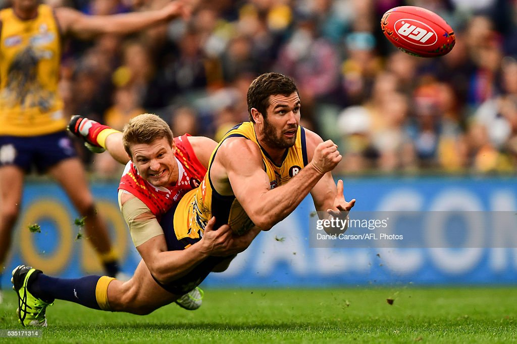 Jack Darling of the Eagles dives in a handball during the 2016 AFL Round 10 match between the West Coast Eagles and the Gold Coast Suns at Domain Stadium on May 29, 2016 in Perth, Australia.
