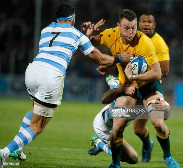 Jack Dempsey of Australia is tackled by Emiliano Bofelli of Argentina during The Rugby Championship match between Argentina and Australia at Malvinas...