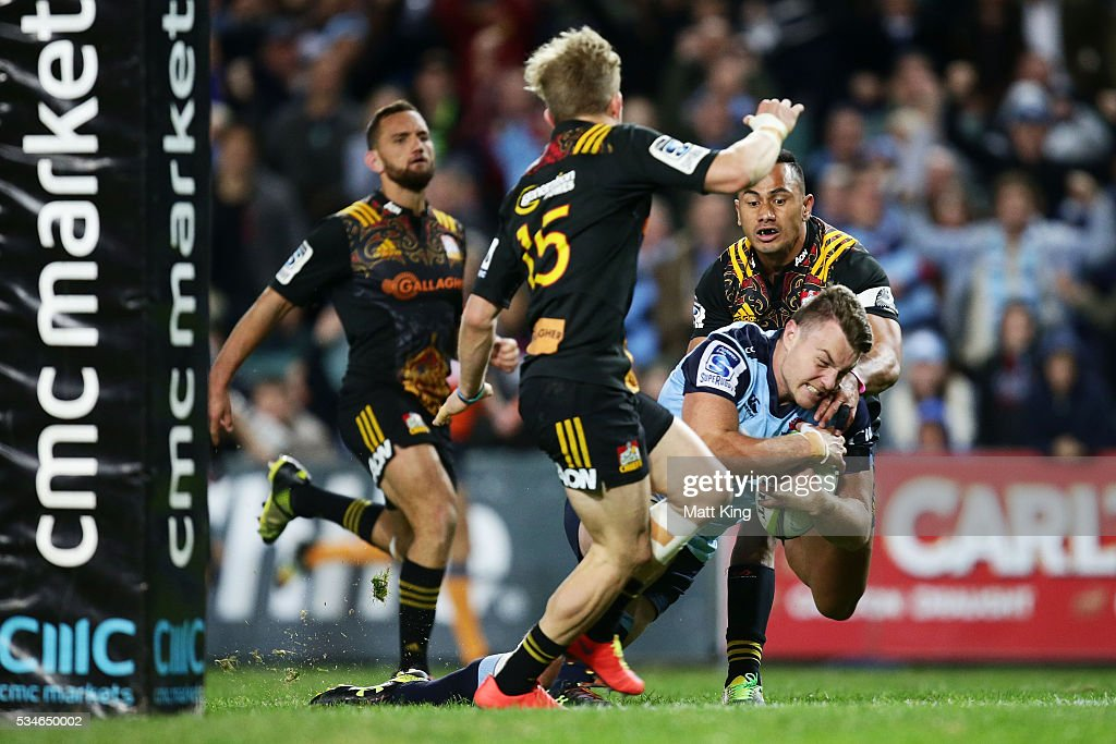 Jack Dempsey of the Waratahs scores a try during the round 14 Super Rugby match between the Waratahs and the Chiefs at Allianz Stadium on May 27, 2016 in Sydney, Australia.