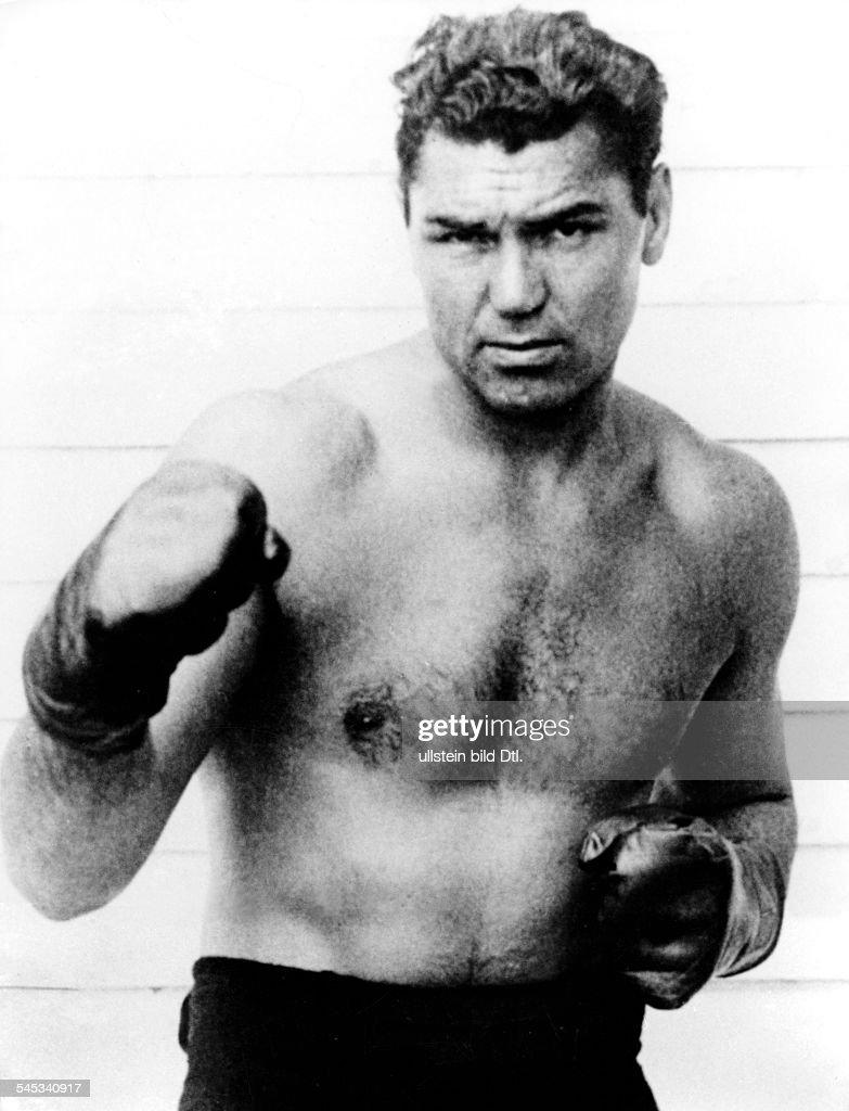 Jack Dempsey *24.06.1895-+Boxer, USA- mit Jack Sharkey (l) beim ...