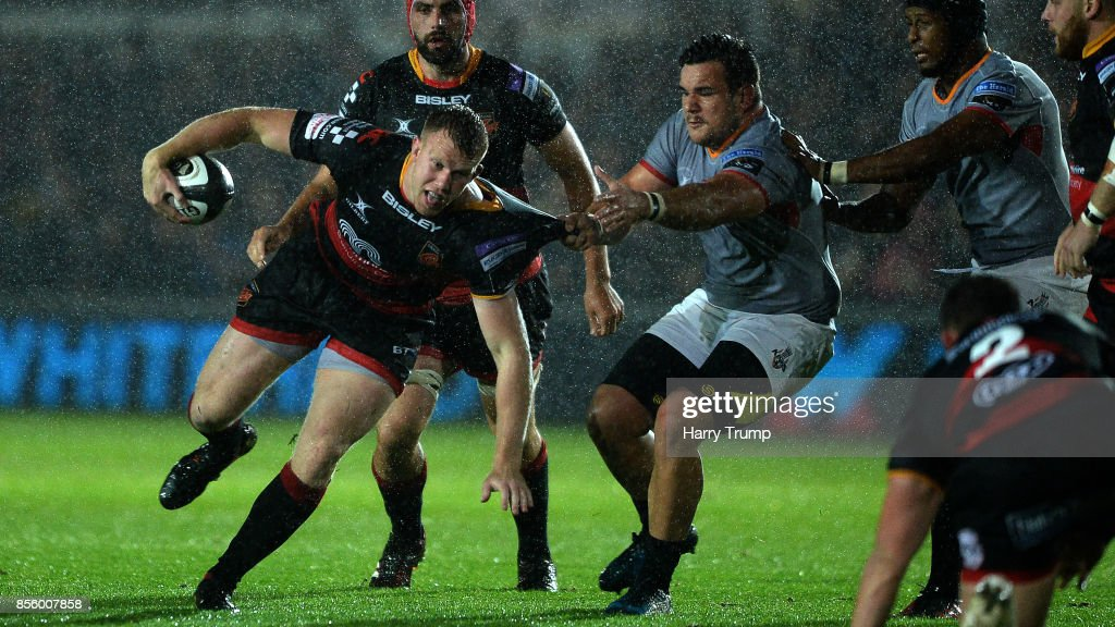 Jack Dixon of Dragons(L) makes a break during the Guinness PRO14 match between Dragons and Southern Kings at Rodney Parade on September 30, 2017 in Newport, Wales.