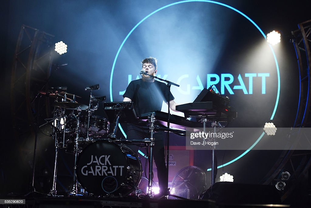 <a gi-track='captionPersonalityLinkClicked' href=/galleries/search?phrase=Jack+Garratt&family=editorial&specificpeople=12610344 ng-click='$event.stopPropagation()'>Jack Garratt</a> performs during day 2 of BBC Radio 1's Big Weekend at Powderham Castle on May 29, 2016 in Exeter, England.