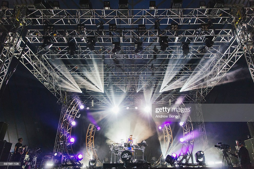Jack Garratt performs on the NME / BBC Radio 1 Stage during day 3 of Leeds Festival 2016 at Bramham Park on August 28 2016 in Leeds England