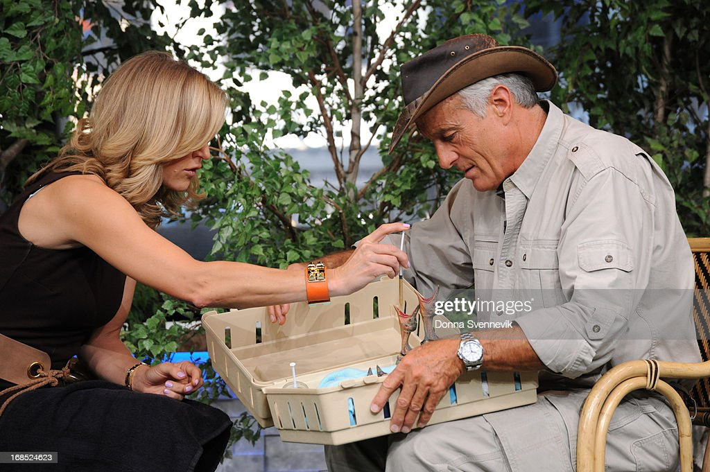 AMERICA - Jack Hanna brings his animal friends to 'Good Morning America,' 5/10/13, airing on the ABC Television Network. (Photo by Donna Svennevik/ABC via Getty Images) LARA